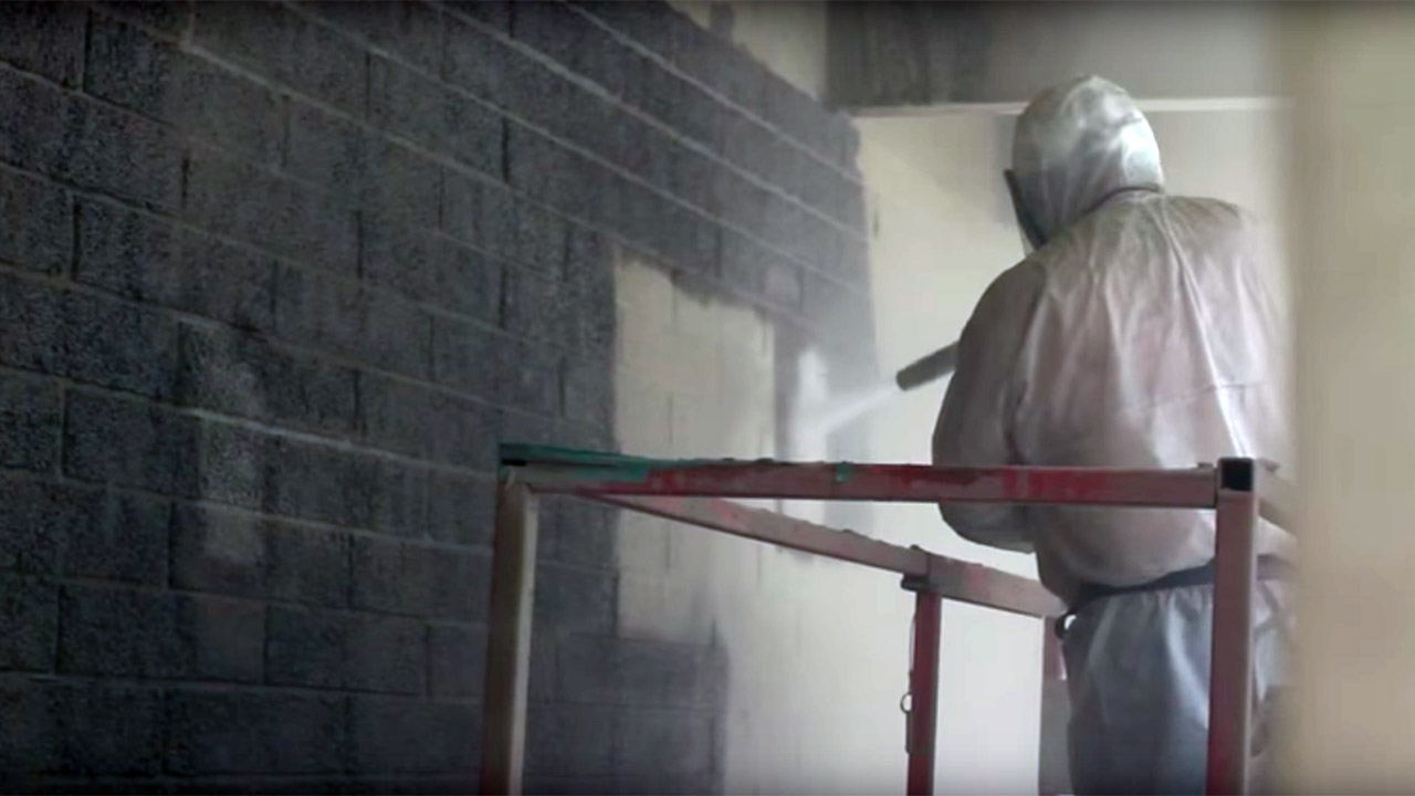 asbestos removal from wall with dustless blasting