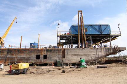 Dustless Blasting Steel Ships
