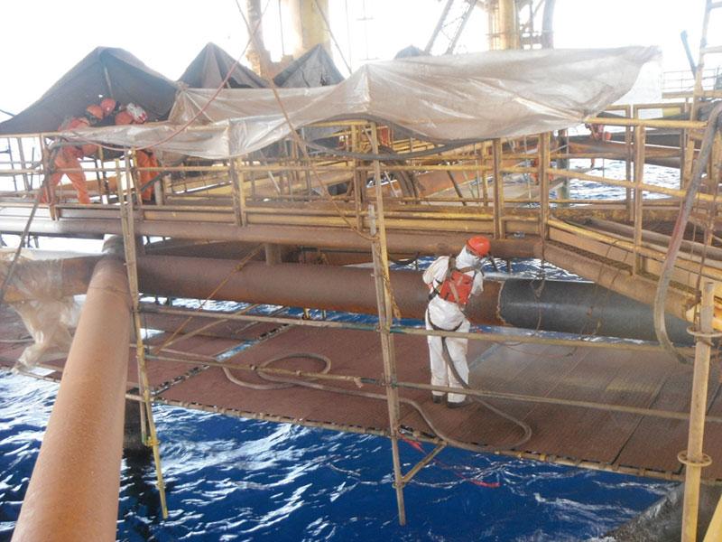 Dustless Blasting offshore Oil Rig