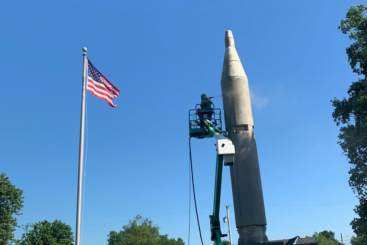 Heath-Allen-Grissom---ALE-Surfacing-LLC---Virgil-I-Gus-Grissom-memorial-rocket-monument---19