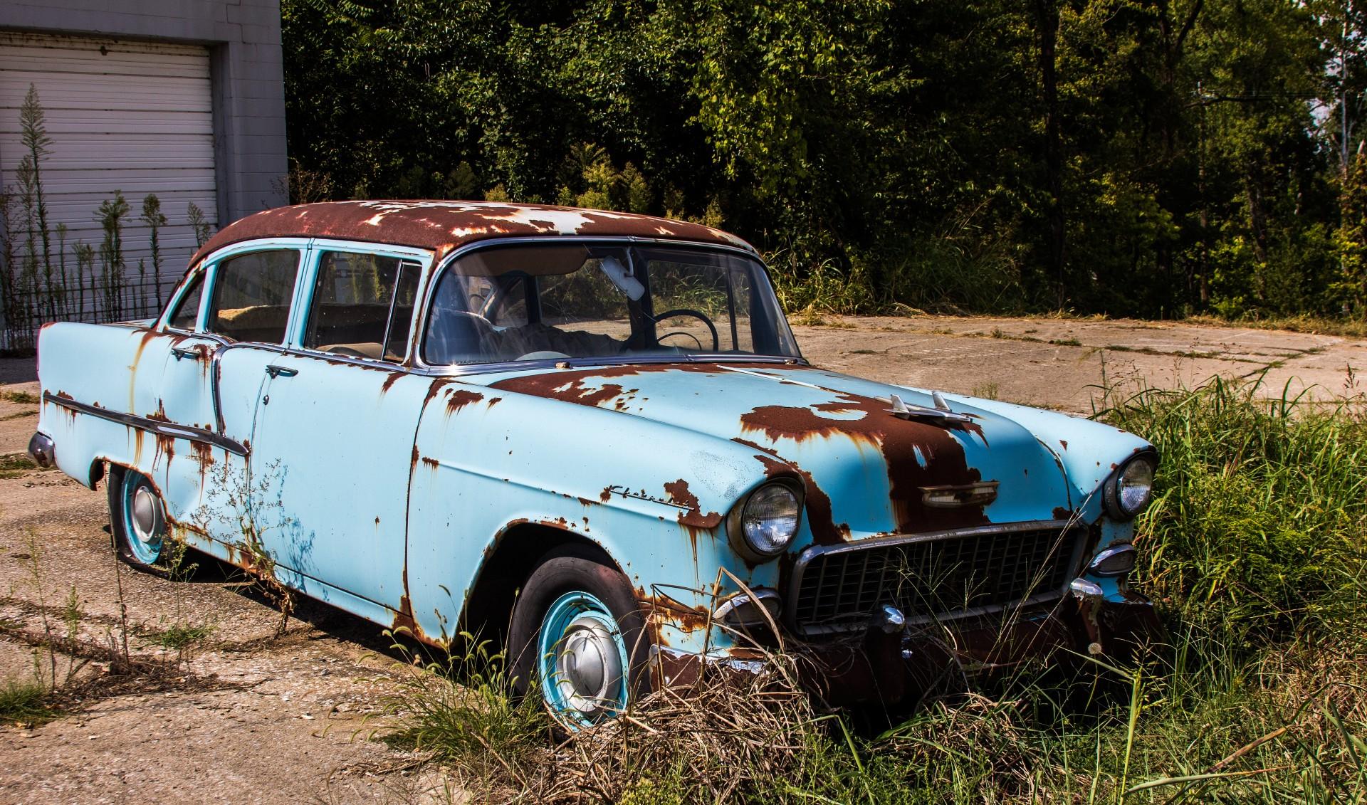 old-rusty-car.jpg